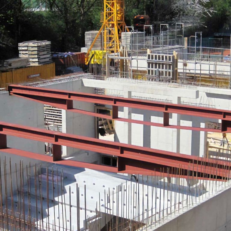 Auditorium building at the RWTH Aachen during construction with two Draheim Träger