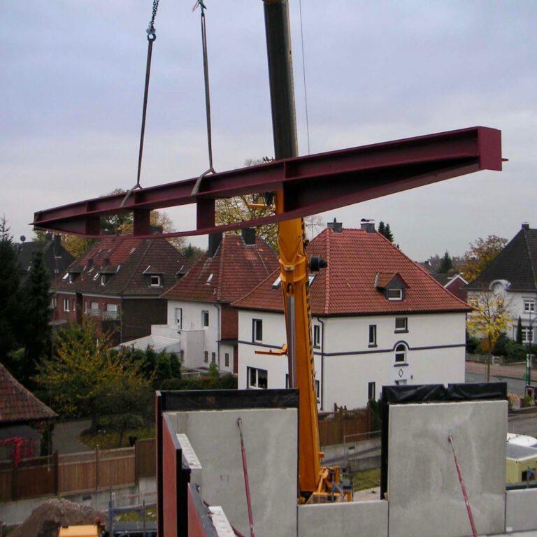 Draheim Träger on a crane being placed in the Feldhaus Hamm